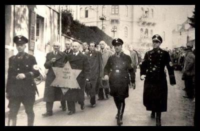 Ebrei costretti a marciare