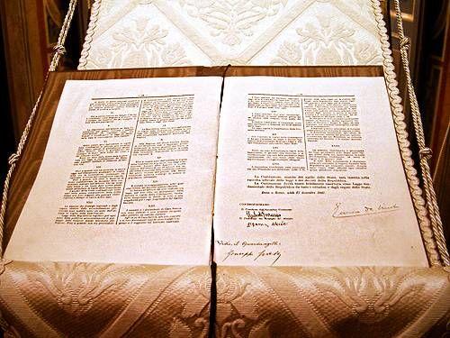 Costituzione italiana testo originale in teca